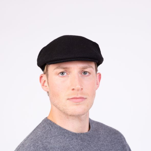 Harris Tweed Stornoway Cap | Plain Black Twill